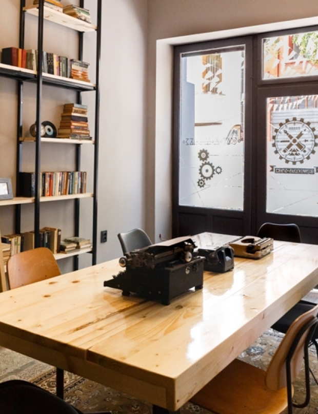 Cat & Mouse with a new project in Kapana–Cat & Mouse Coworking